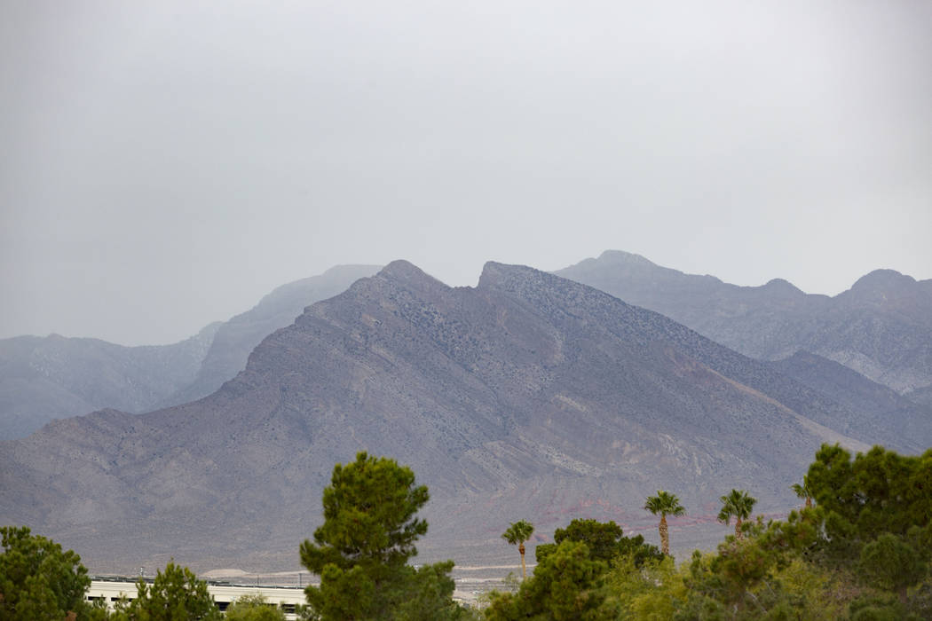 Heavy clouds roll in west Las Vegas toward Summerlin on Wednesday, Nov. 27, 2019. (Elizabeth Br ...
