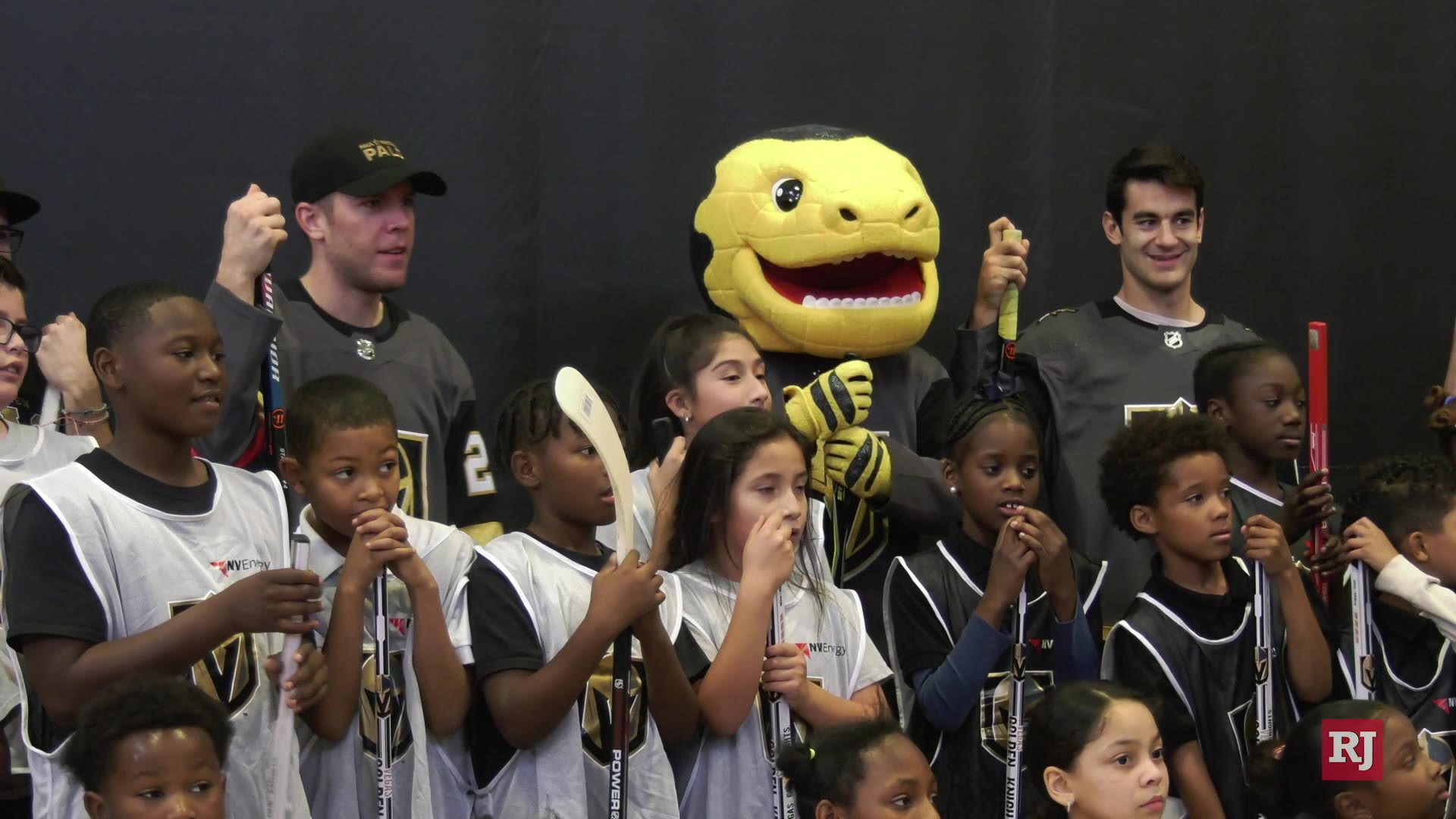 Golden Knights Max Pacioretty, Paul Stastny hold street hockey clinic - Las Vegas Review-Journal