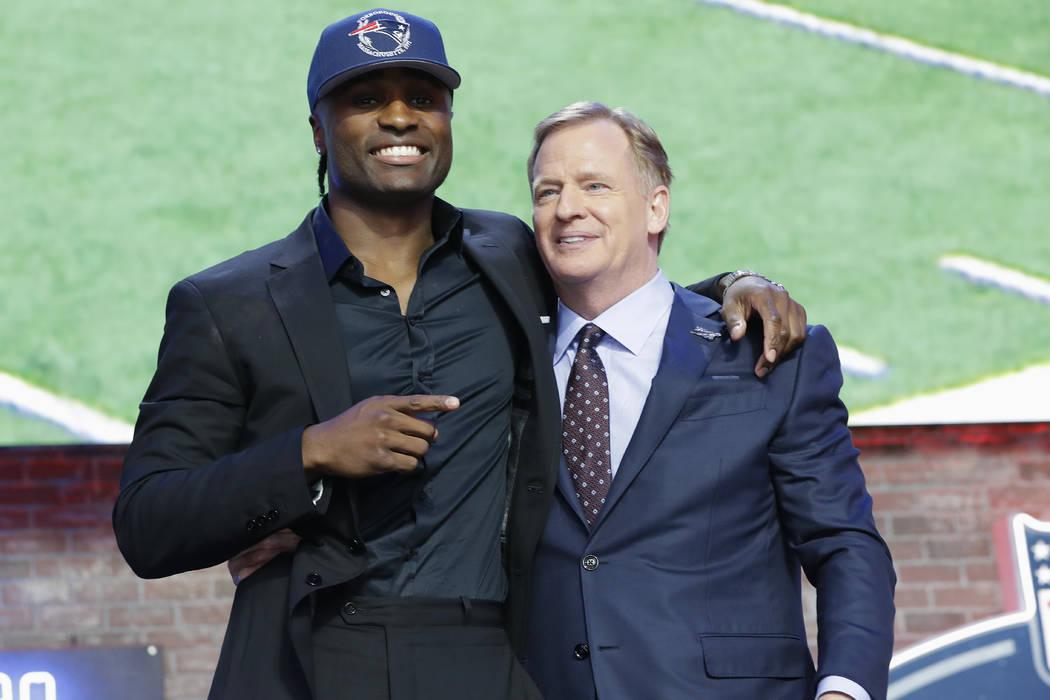 Vanderbilt cornerback Joejuan Williams poses with NFL Commissioner Roger Goodell after the New ...