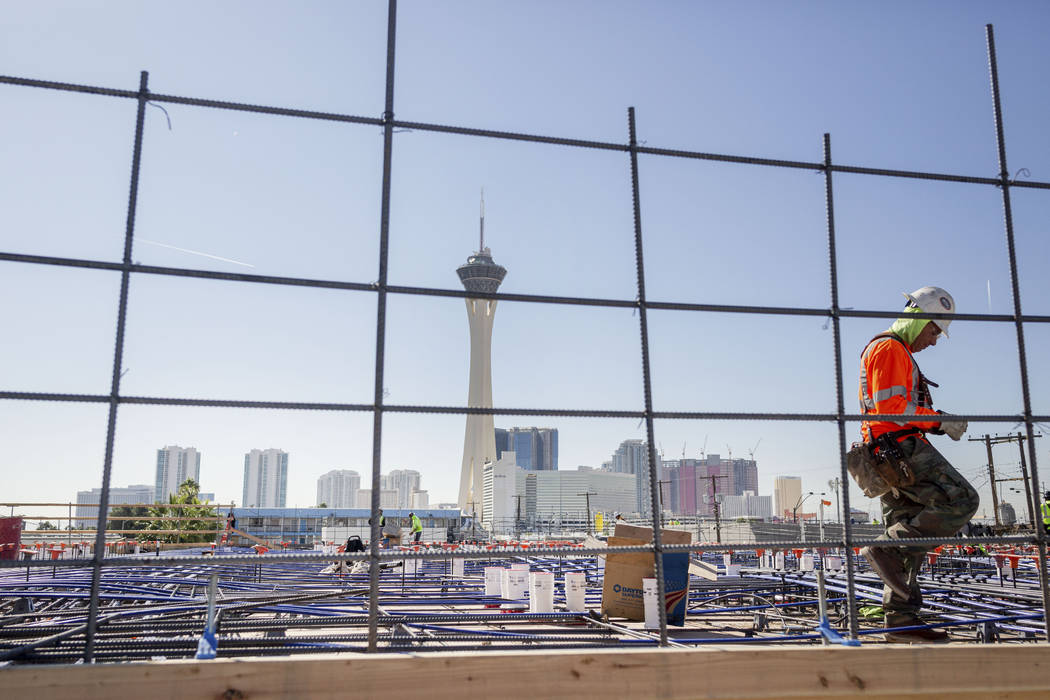 Construction is underway on the new apartment complex shareDOWNTOWN located in the Arts Distict ...
