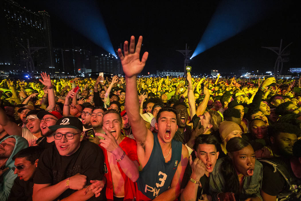 Fans cheer for 6lack on the Jackpot stage during the Day N Vegas music festival on Friday, Nov. ...