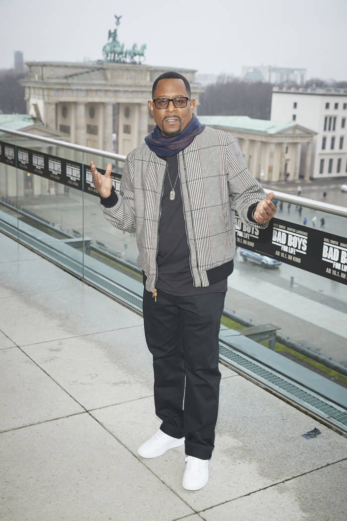 """BERLIN, GERMANY - JANUARY 07: Martin Lawrence poses during a photo call for the movie """"Bad ..."""