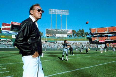 Raiders owner Al Davis watches Raiders practice before exhibition game against the Houston Oile ...