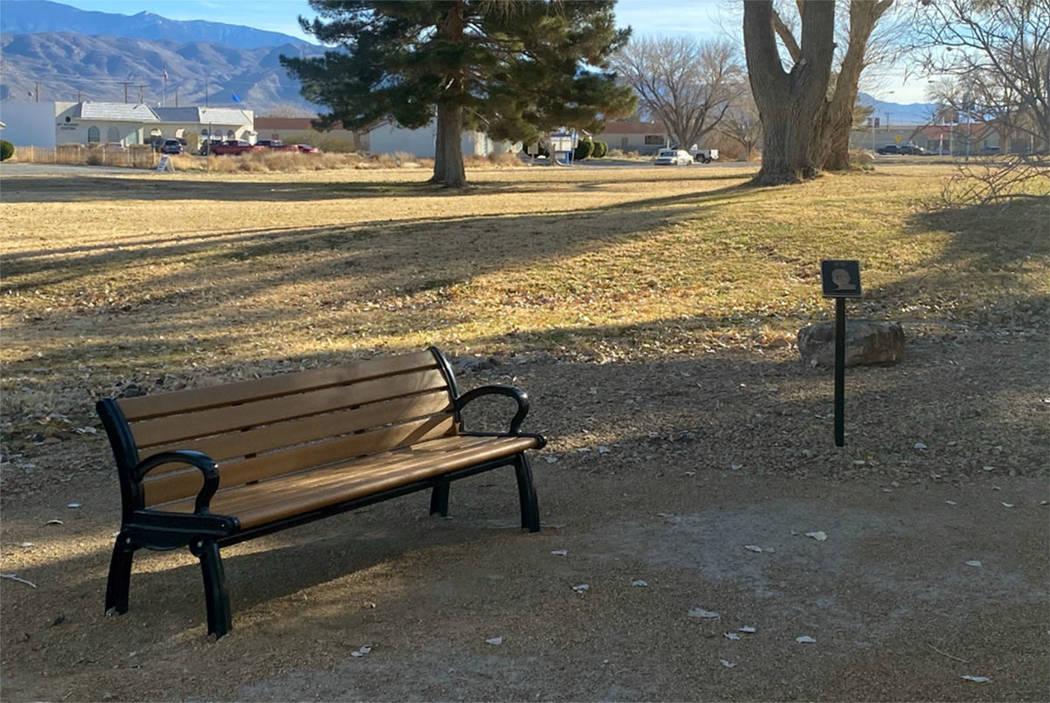 A bench honors late-night radio personality Art Bell in Pahrump (Nye County Facebook)