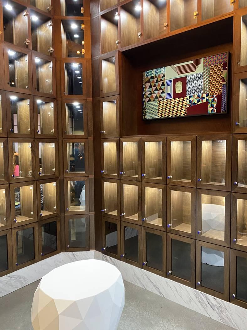 Member lockers wait to be filled in Wolfgang Puck Players Locker. (Al Mancini/Las Vegas Review- ...