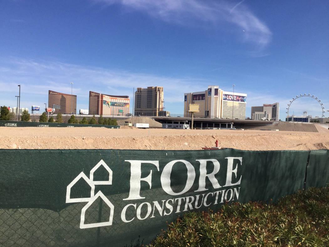 Las Vegas developer Jonathan Fore plans to build a 287-unit apartment complex west of the Strip ...