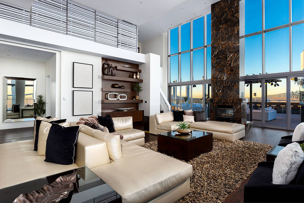 The Palms Place penthouse underwent more than $1 million in renovations. (Turnkey Pads)