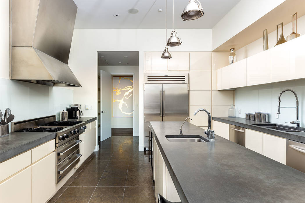 The kitchen has all the upgraded appliances. (Turnkey Pads)