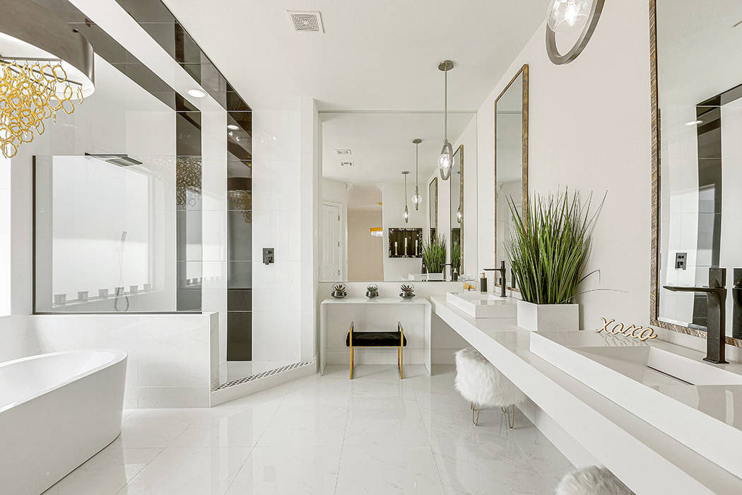 The master bath. (Red Luxury Real Estate)