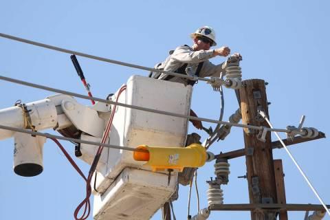 Las Vegas area power line. (Review-Journal file photo)