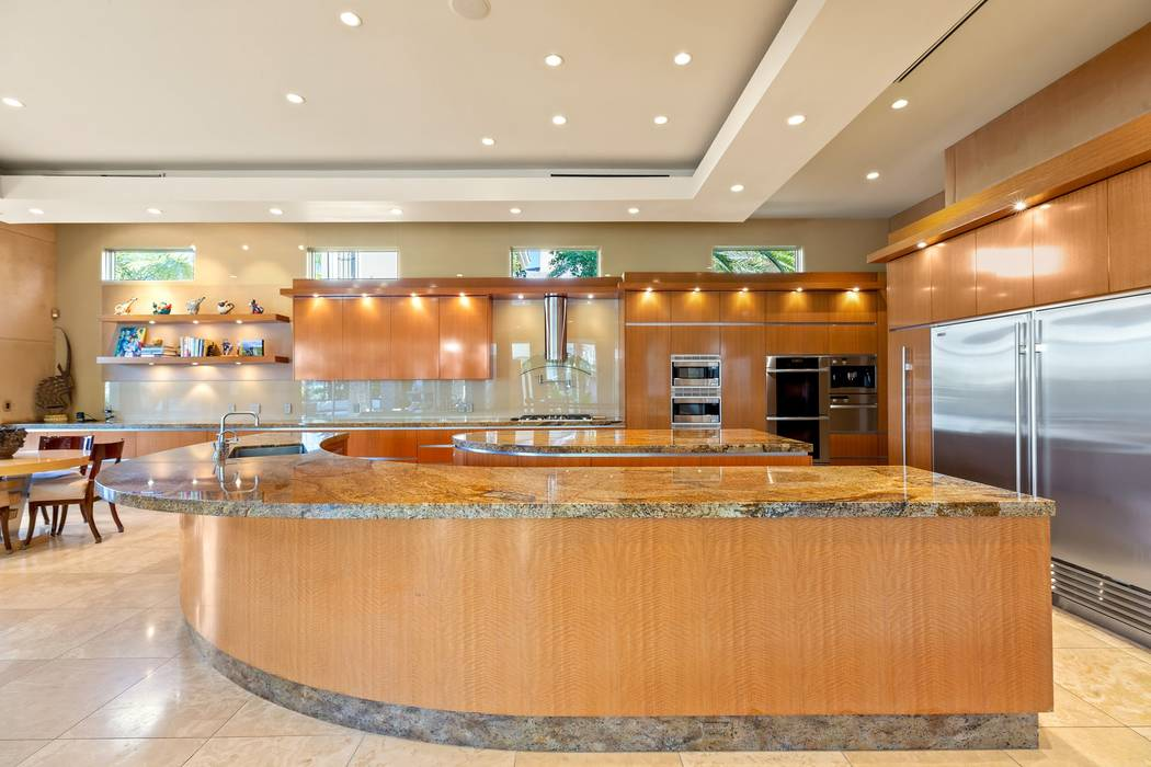The kitchen has a circular design. (Ivan Sher Group)