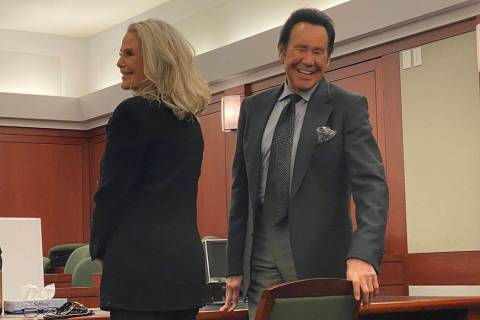Wayne Newton and his wife, Kathleen, are shown at Clark County District Court prior to a hearin ...