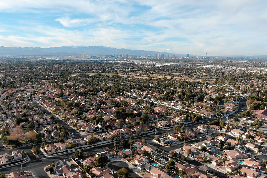 Aerial view of homes near Valle Verde Drive in Henderson, Nevada. (Michael Quine/Las Vegas Revi ...