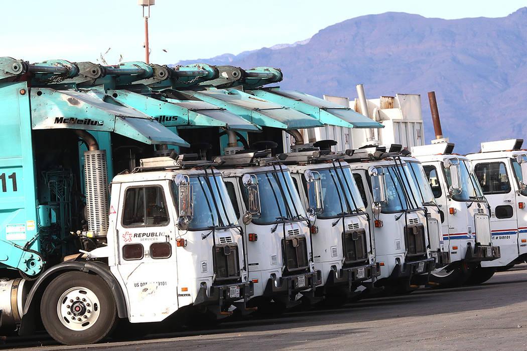 Republic trucks are lined up at Republic Services' disposal facility. (Bizuayehu Tesfaye/Las Ve ...