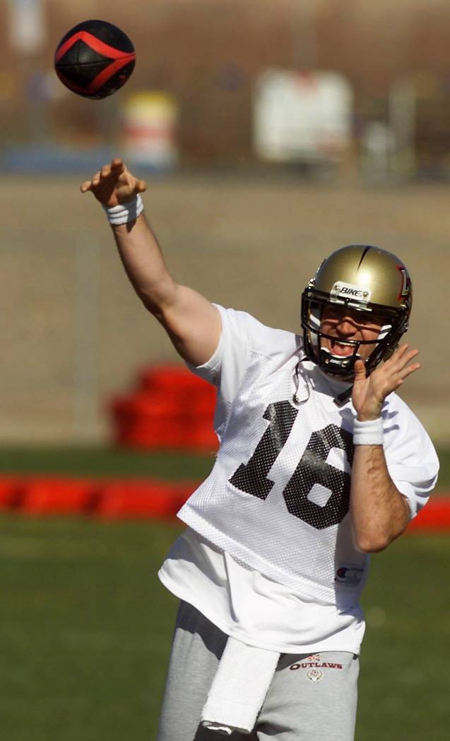 Sports; 01-31-01, Las Vegas Outlaws QB #16 Ryan Clement throws the football during the team's ...