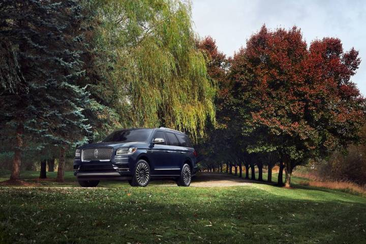 """The aluminum-alloy body to the Lincoln Navigator gives new meaning the phrase """"less is more."""" T ..."""