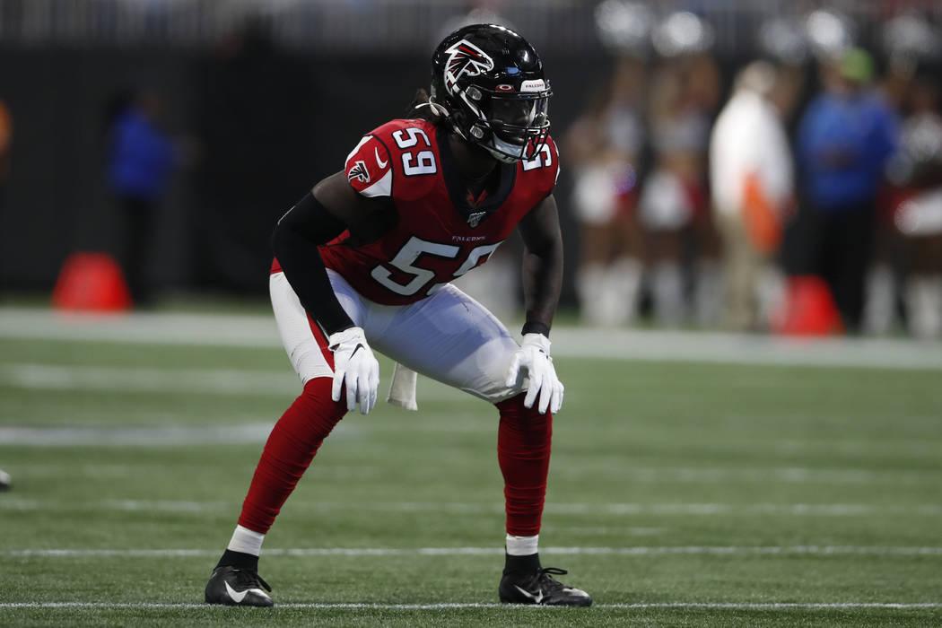 Atlanta Falcons outside linebacker De'Vondre Campbell (59) lines up against the Carolina Panthe ...