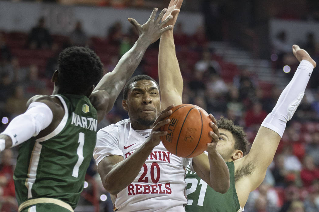 UNLV blows out Colorado State, moves into tie...