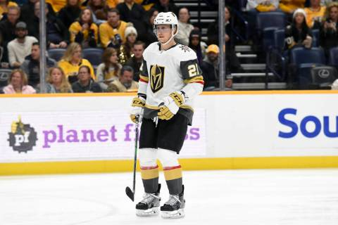 Vegas Golden Knights center Cody Eakin (21) plays against the Nashville Predators during the fi ...