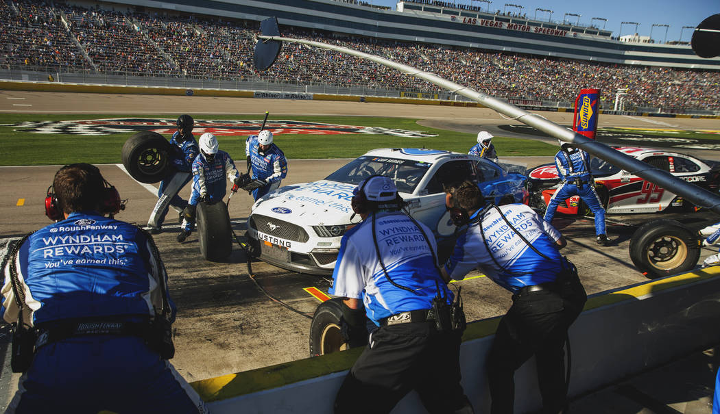 Ross Chastain's (6) pit crew work quickly during the Pennzoil 400 presented by Jiffy Lube, a NA ...