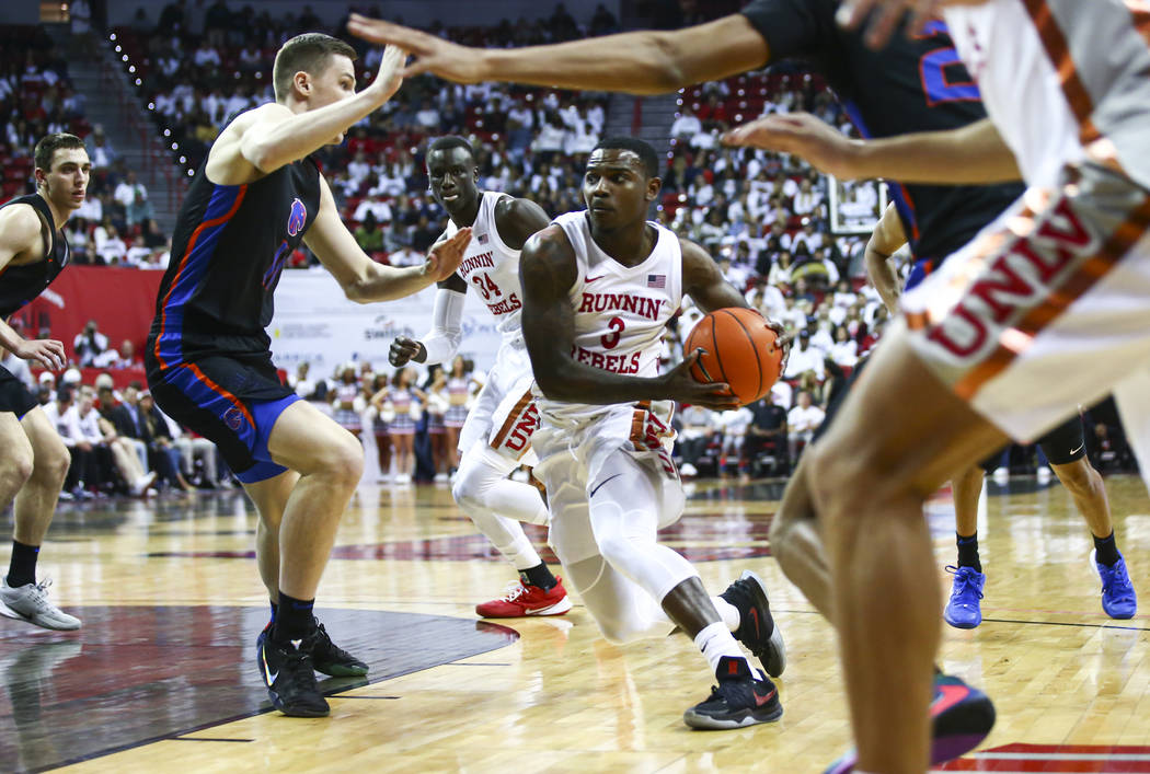UNLV beats Boise State, earns MW tournament bye