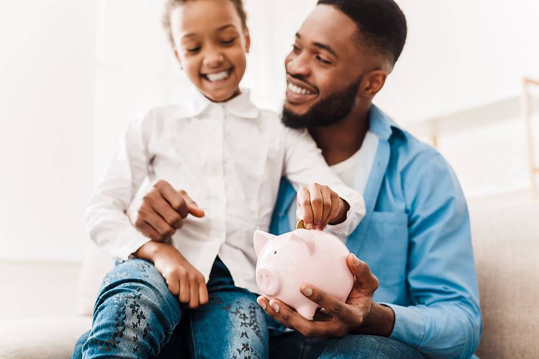In a world of neat budgeting apps and debit cards for kids, an expert recommends sticking with ...