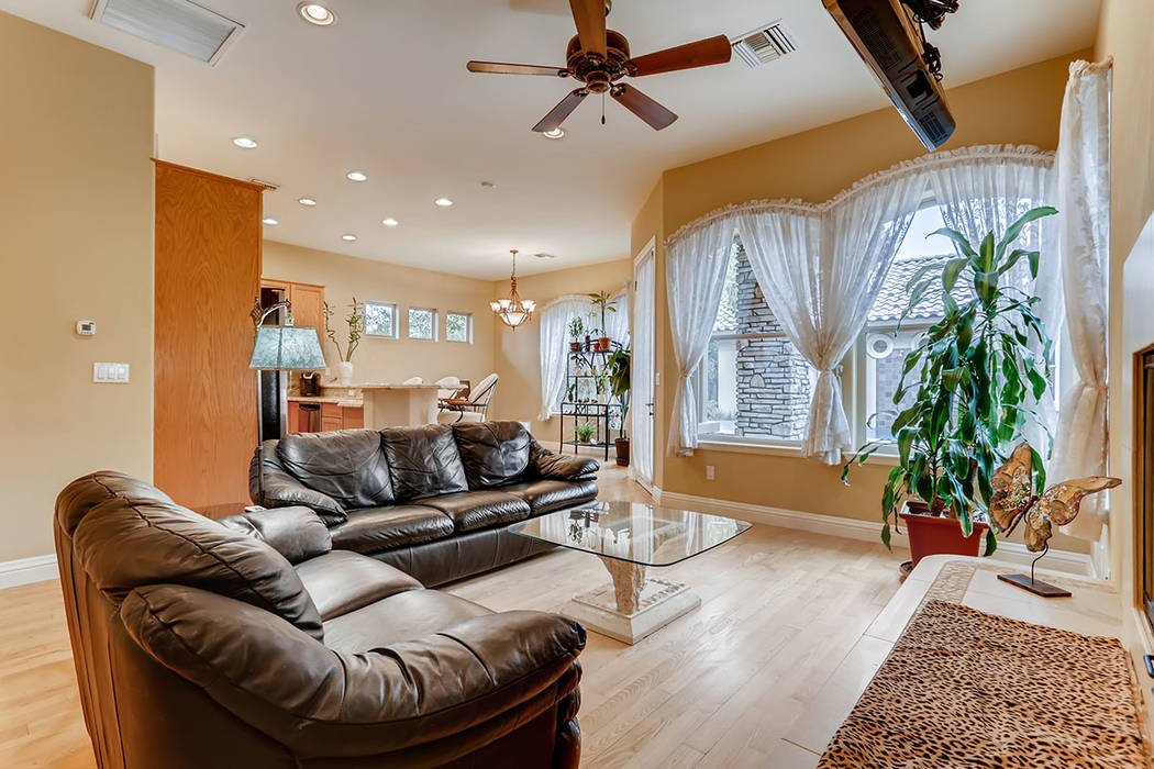 The guesthouse living room. (Berkshire Hathaway HomeServices)