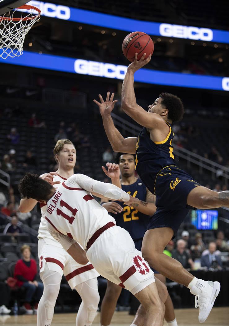 University of California, Berkely's guard Matt Bradley (20) shoots a point against Stanford at ...