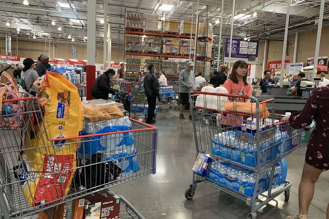 Costco shop customers at 6555 N. Decatur Blvd, Las Vegas, March 9, 2020. (Elizabeth Brumley/Las ...