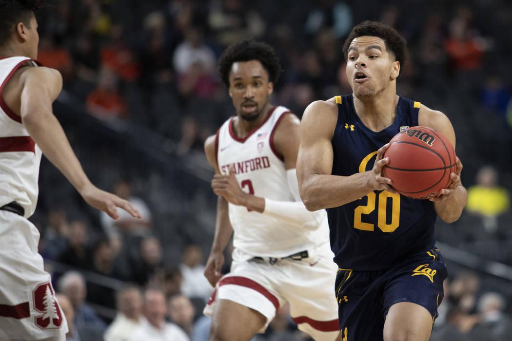 University of California, Berkely's guard Matt Bradley (20) dribbled toward the basket as Stand ...