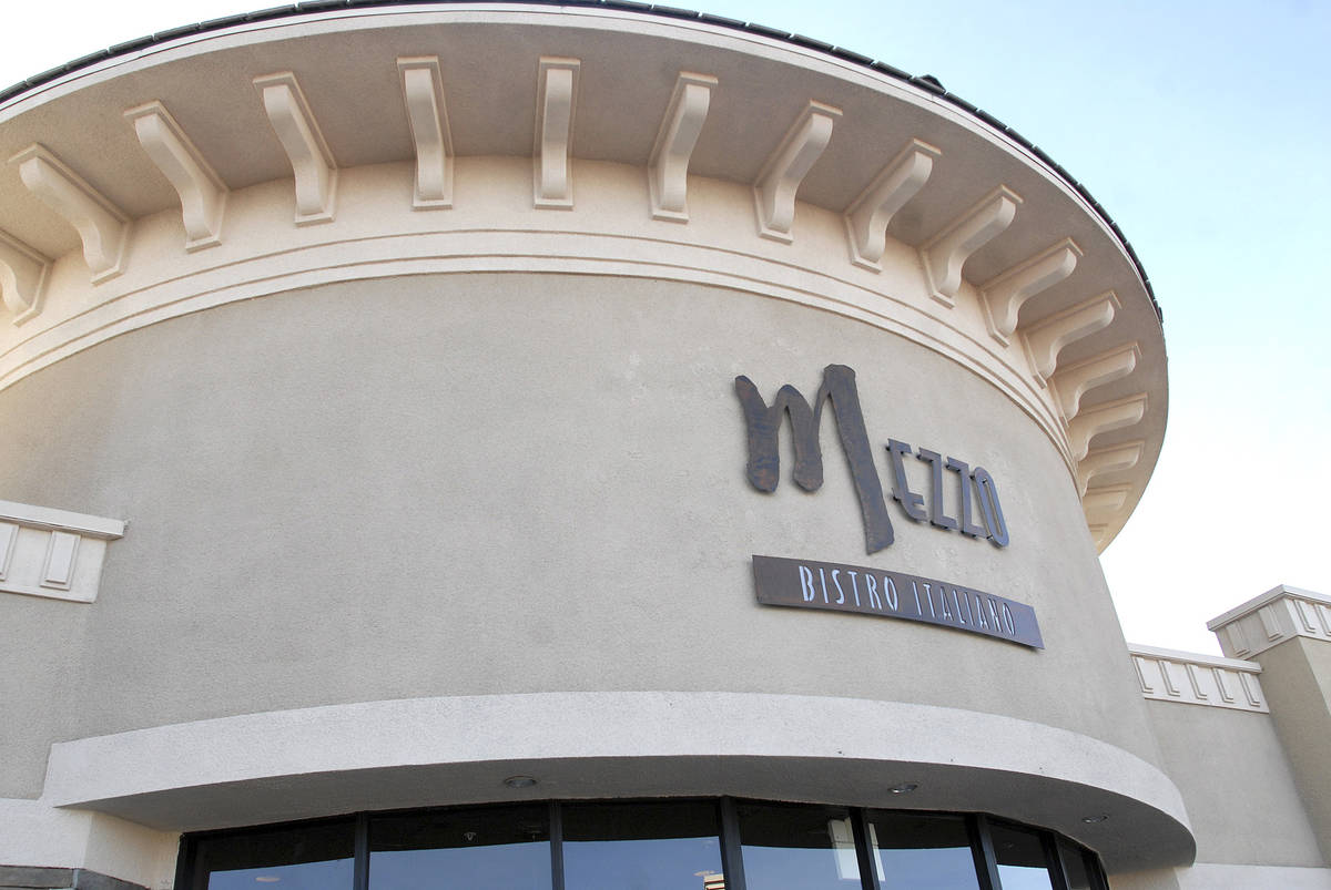 CN/VIEW--From left, Mezzo Bistro Italiano restaurant located at 4275 N. Rancho Blvd, Suite 130. ...