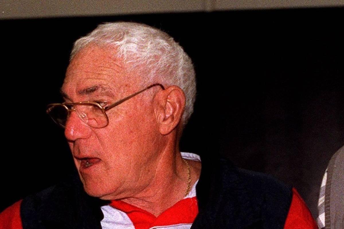 Former UNLV coach Howie Landa, seen in 2000 (Las Vegas Review-Journal)