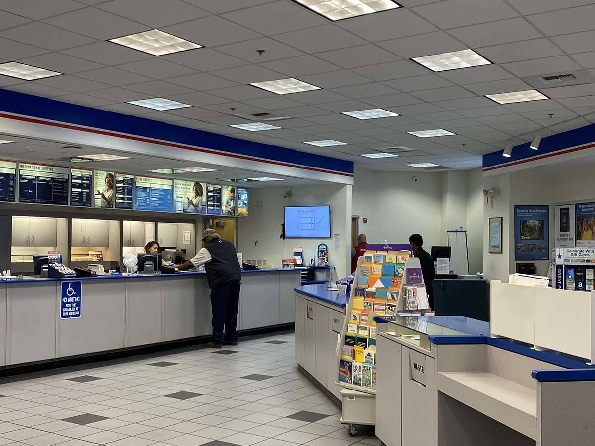 Customers at the U.S. Post Office, 1414 E. Lake Mead Blvd. in North Las Vegas, are greeted Tues ...