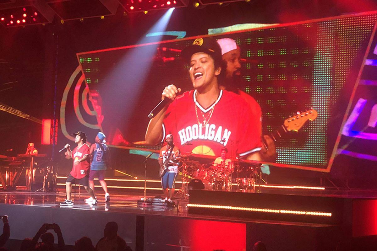 Bruno Mars performs on the Las Vegas Strip on Sunday, Dec. 30, 2018. (John Katsilometes/Las Veg ...