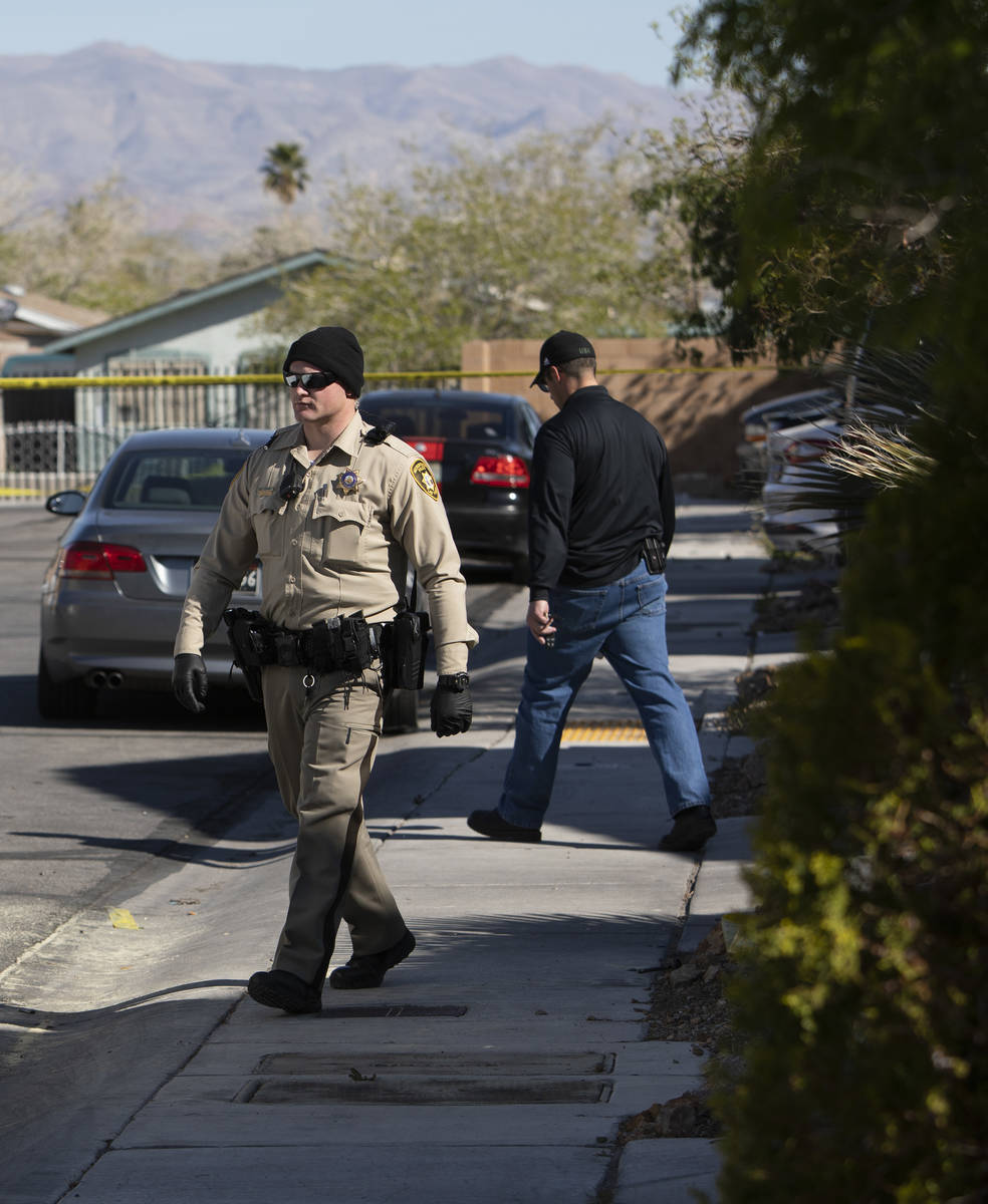 Las Vegas police continue the investigation of an apparent murder-suicide in the northeast Las ...