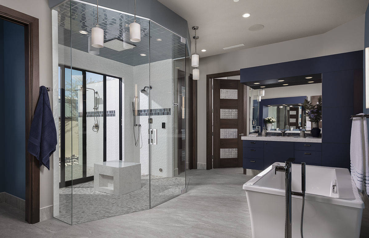 The 2020 New American Home features a large master bath. (Jeffrey A. Davis Photography Inc.)