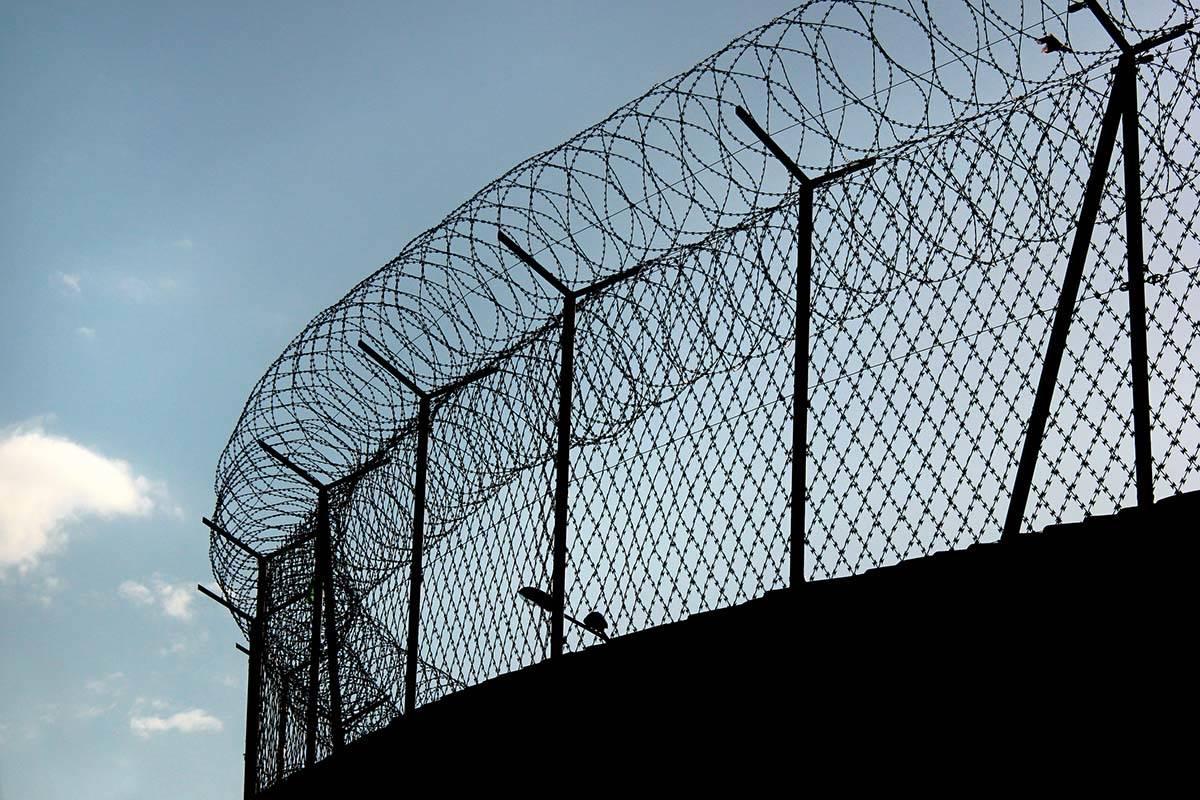 13627046_web1_prison.image_.jpg