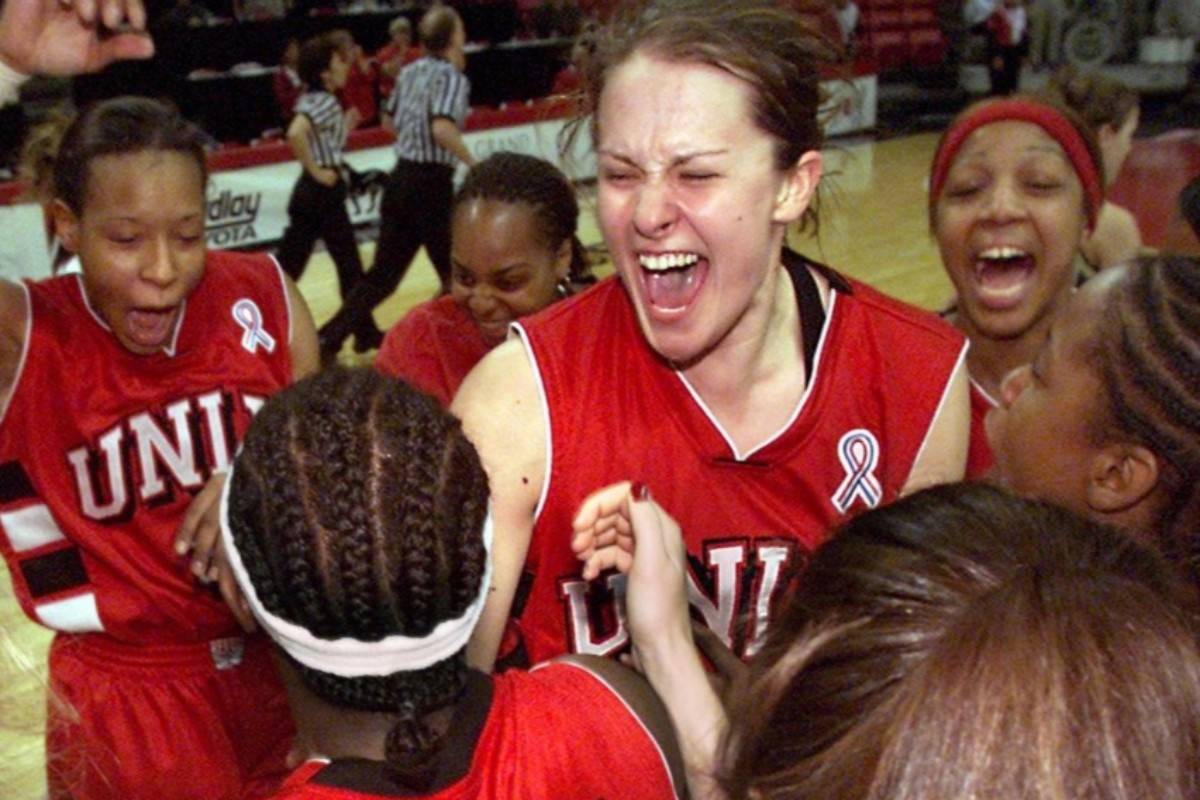 UNLV senior forward Linda Frohlich (13), center, celebrates with her teammates after the Lady R ...