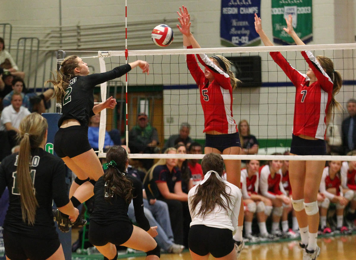 Palo Verde's Lexi Riggs (2) attacks Coronado during the championship game of the Division I Gir ...