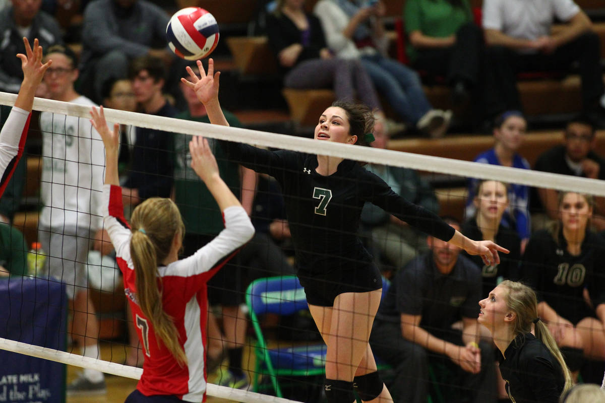 Palo Verde's McCall Phillips (7) attacks against Coronado during the championship game of the D ...