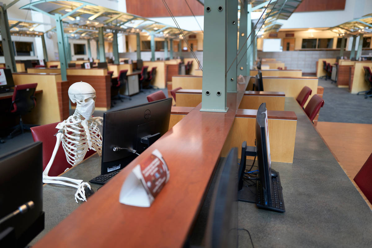 It's easy to find an open computer on the first floor. (Aaron Mayes/UNLV Special Collections)