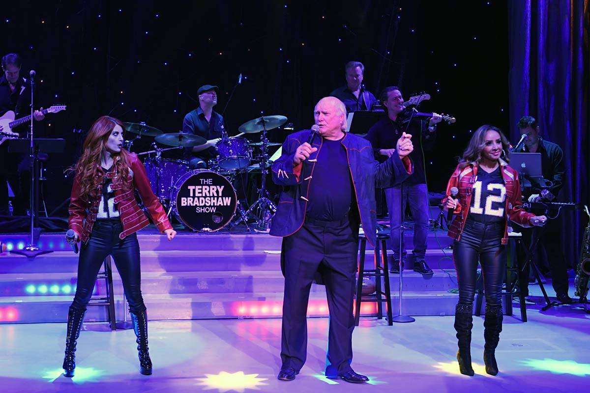 Terry Bradshaw, shown with Anne Martinez (left) and Lorena Peril, is back at Luxor's Atrium Sho ...