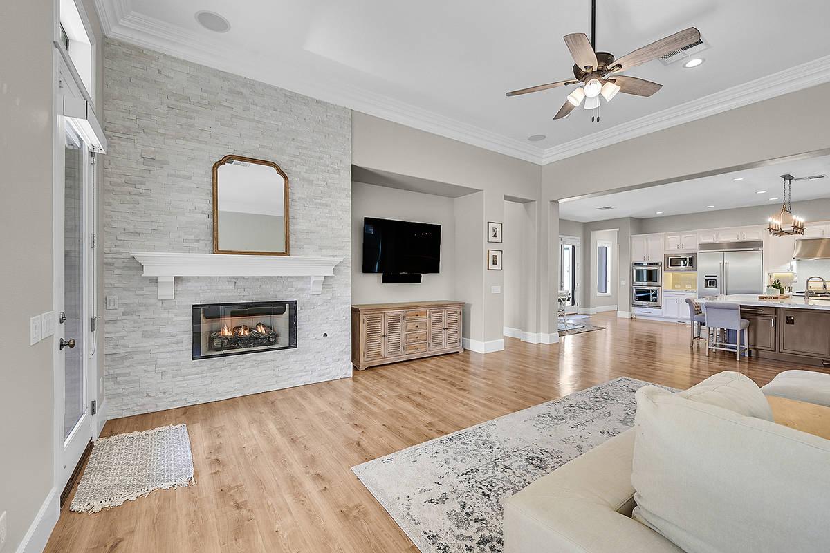 The living room. (Huntington & Ellis)