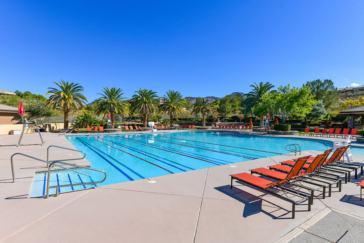 Anthem Country Club has a pool and other amenities. (Huntington & Ellis)
