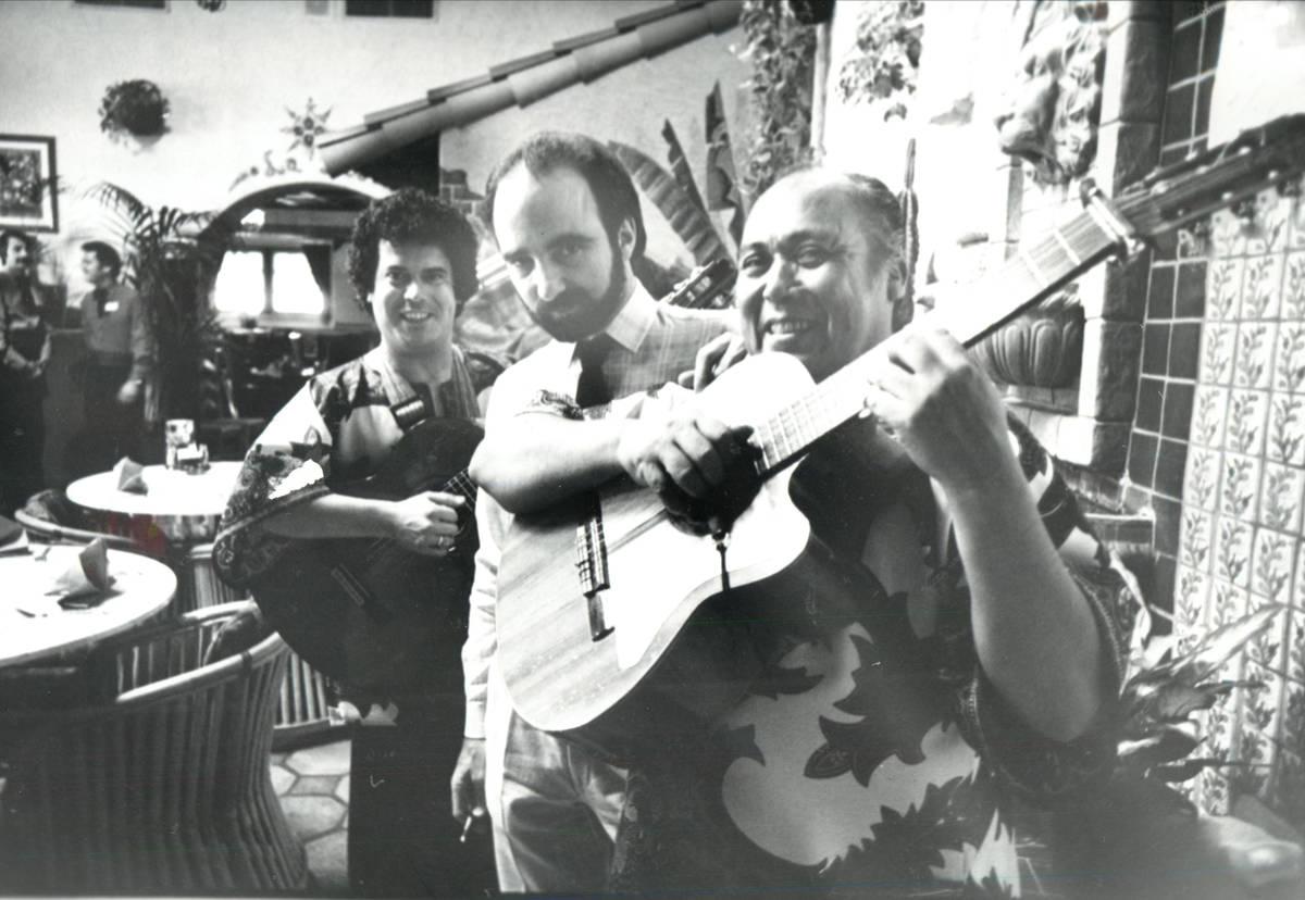 Ricardo's owner Bob Ansara, center, pictured in 1985. (Las Vegas Review-Journal file)
