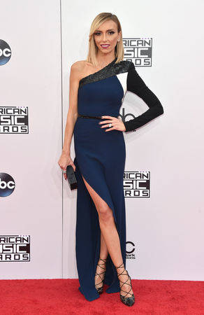 Giuliana Rancic arrives at the 42nd annual American Music Awards at Nokia Theatre L.A. Live on ...