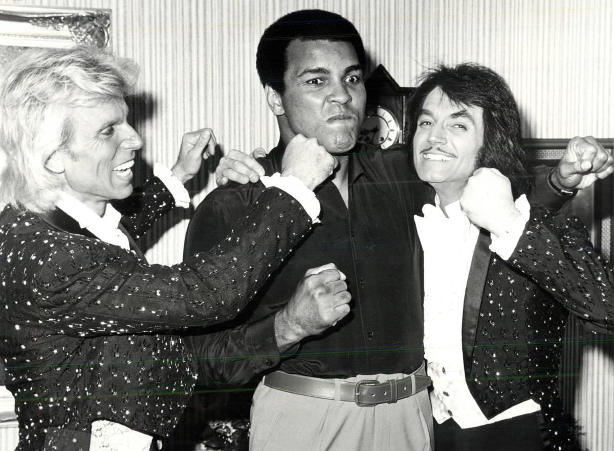 Siegfried and Roy pose with Muhammad Ali. (Las Vegas News Bureau)