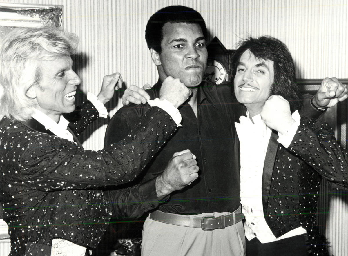 Siegfried and Roy pose with Muhammad Ali. (Las Vegas News Bureau)