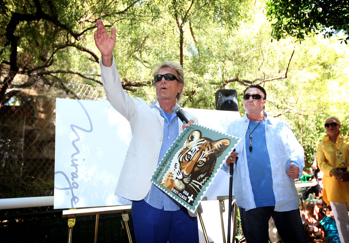 """Siegfried and Roy Horn introduce the """"Save Vanishing Species"""" U.S. Postal Stamp at Si ..."""