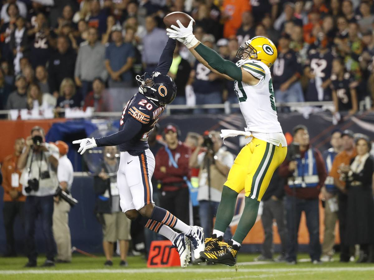 Chicago Bears' Prince Amukamara breaks up a pass intended for Green Bay Packers' Jimmy Graham d ...